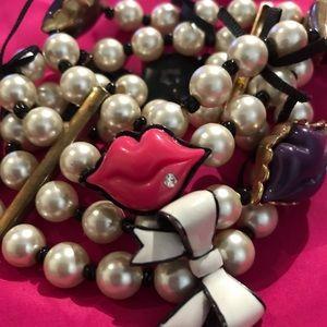 Lip kiss pearl stretch bracelet Betsey Johnson new